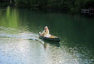 Canoei on Boot Lake